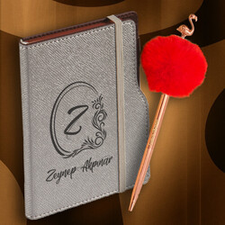 Kadın Öğretmene Hediye Gri Kişiye Özel Peluş Kalem Defter Seti - Thumbnail