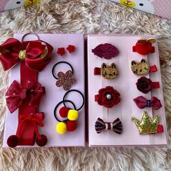 Kırmızı Renk 18 Parça Çantalı Çocuk Toka Seti - Thumbnail
