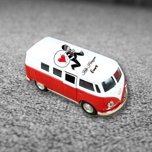 Kişiye Özel Tasarımlı Kırmızı Vosvos Minibüs